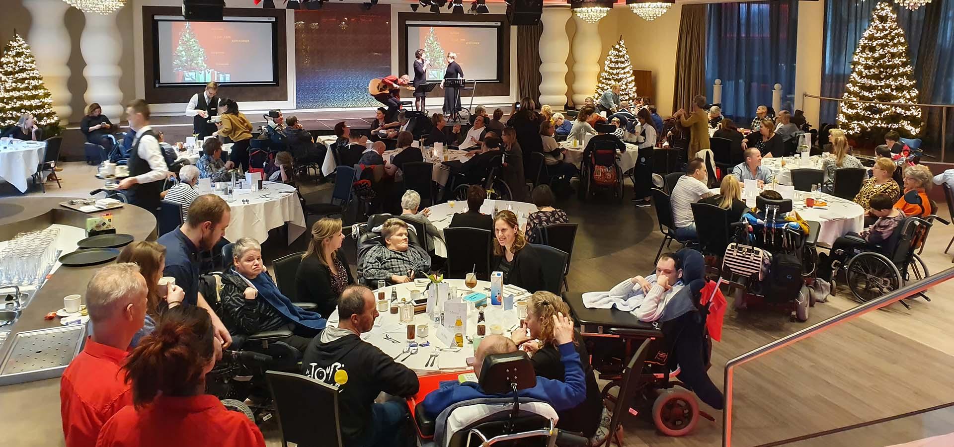 Een bijzonder Kerstdiner, een diner voor mensen met een beperking | René Janssen
